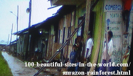 Beautiful Amazonian Photos: A village on the Amazon.