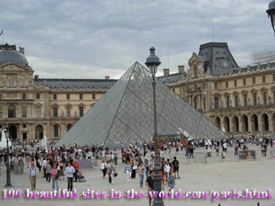 Beautiful Louvre Pyramid Architecture, Paris!